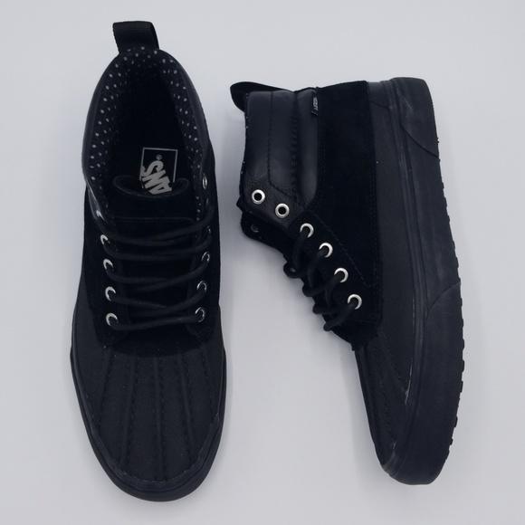 f46966ec88 NWOB Vans SK8-Hi Del Pato MTE Unisex All Black. M 5af354a83afbbd1504b678a1
